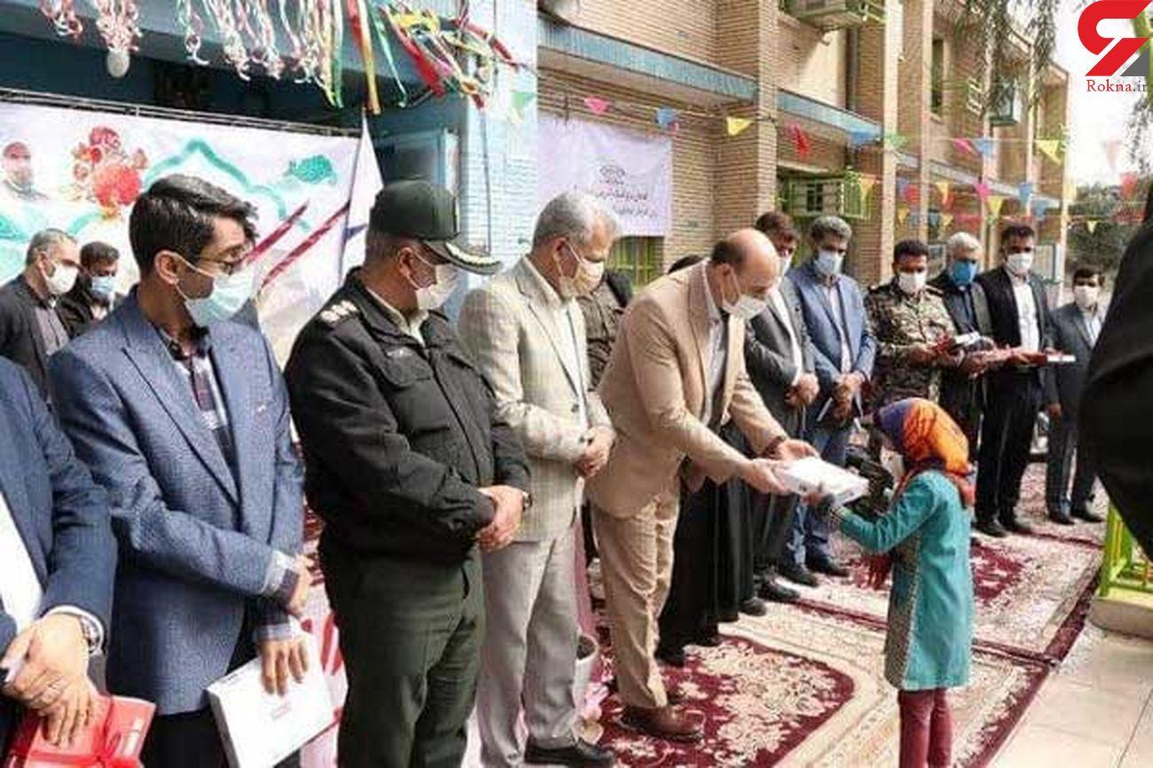 صف مدیران استان کرمان برای اهدای چند تبلت! + عکس