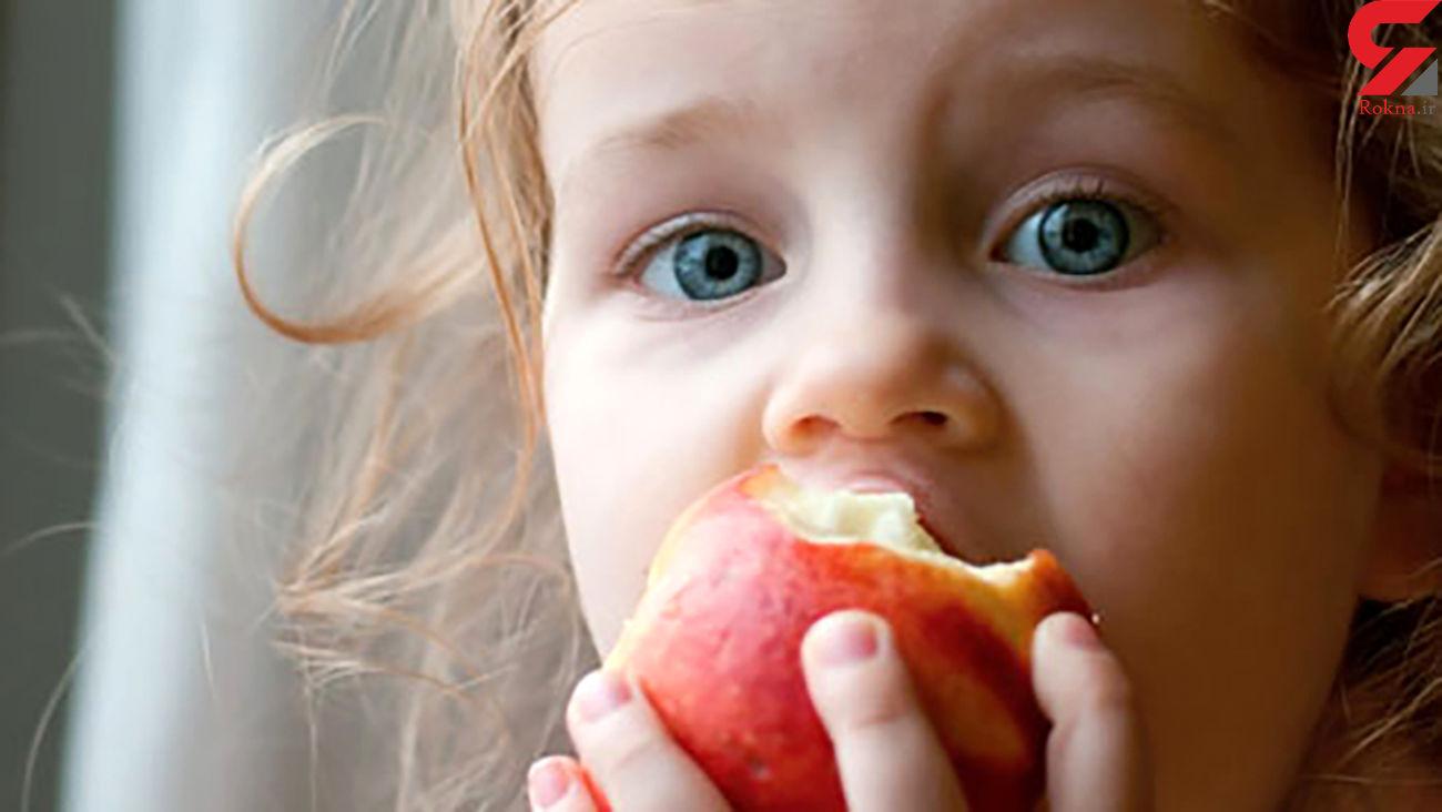 کودک شیرازی که مرده بود زنده شد / سیب او را خفه کرد