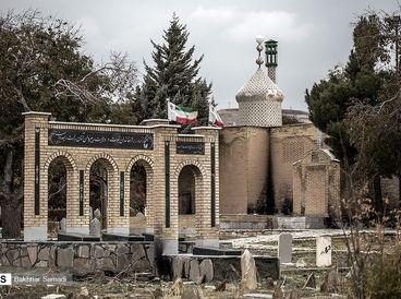 قبرستانی تاریخی که جایگاه معتادین شد