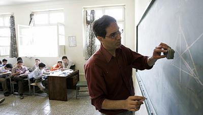 حقوق معلمان حقالتدریس امشب پرداخت میشود