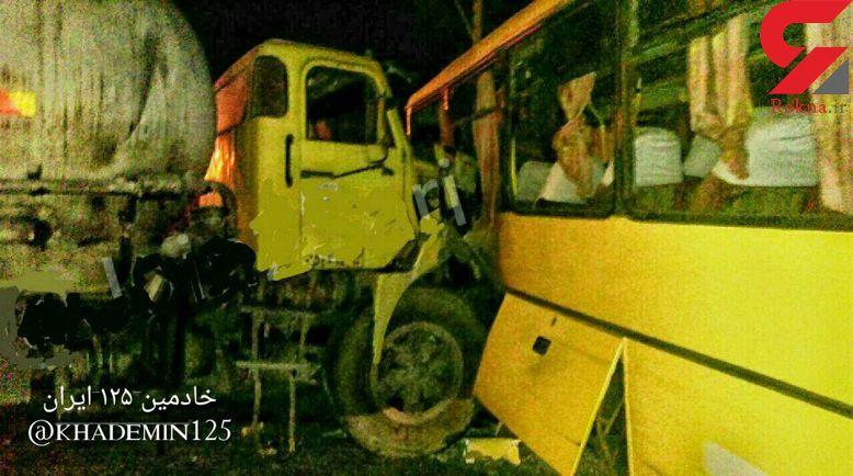 برخورد کامیون با اتوبوس شهری در ساری 21 زخمی بر جای گذاشت+عکس