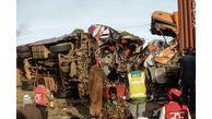 7 کشته در شاخ به شاخ مینی بوس و کامیون + عکس
