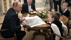 پوتین آرزوی کودک بیمار را برآورده کرد +تصاویر