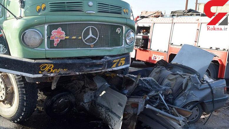 عکس / صحنه دلخراش له شدن پژو با 3 سرنشین زیر کامیون / در جاده بهبهان رخ داد