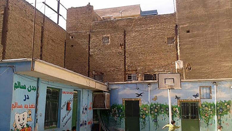 فلاحی : پنجاه درصد املاک آموزش و پرورش سند ندارند /ده ها مدرسه در تهران از نظر امنیتی مشکل دارند