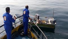 ۲ سرنشین قایق صیادی در آبهای دریای عمان نجات یافتند