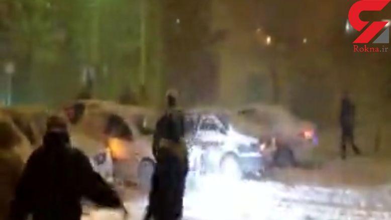 خنده دارترین تصادفی زنجیره ای 12 خودرو در یک خیابان برفی زنجان+حتما این فیلم را ببینید