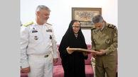 دیدار فرمانده کل ارتش با خانواده یکی ازشهدای ناو موشکانداز پیکان