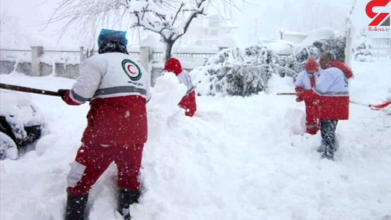 نجات جان 11 مسافر گرفتار در برف / در سمنان رخ داد
