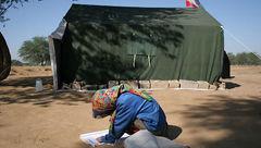 مدارس چادری عشایر خوزستان در برابر گرد و خاک مقاوم نیستند
