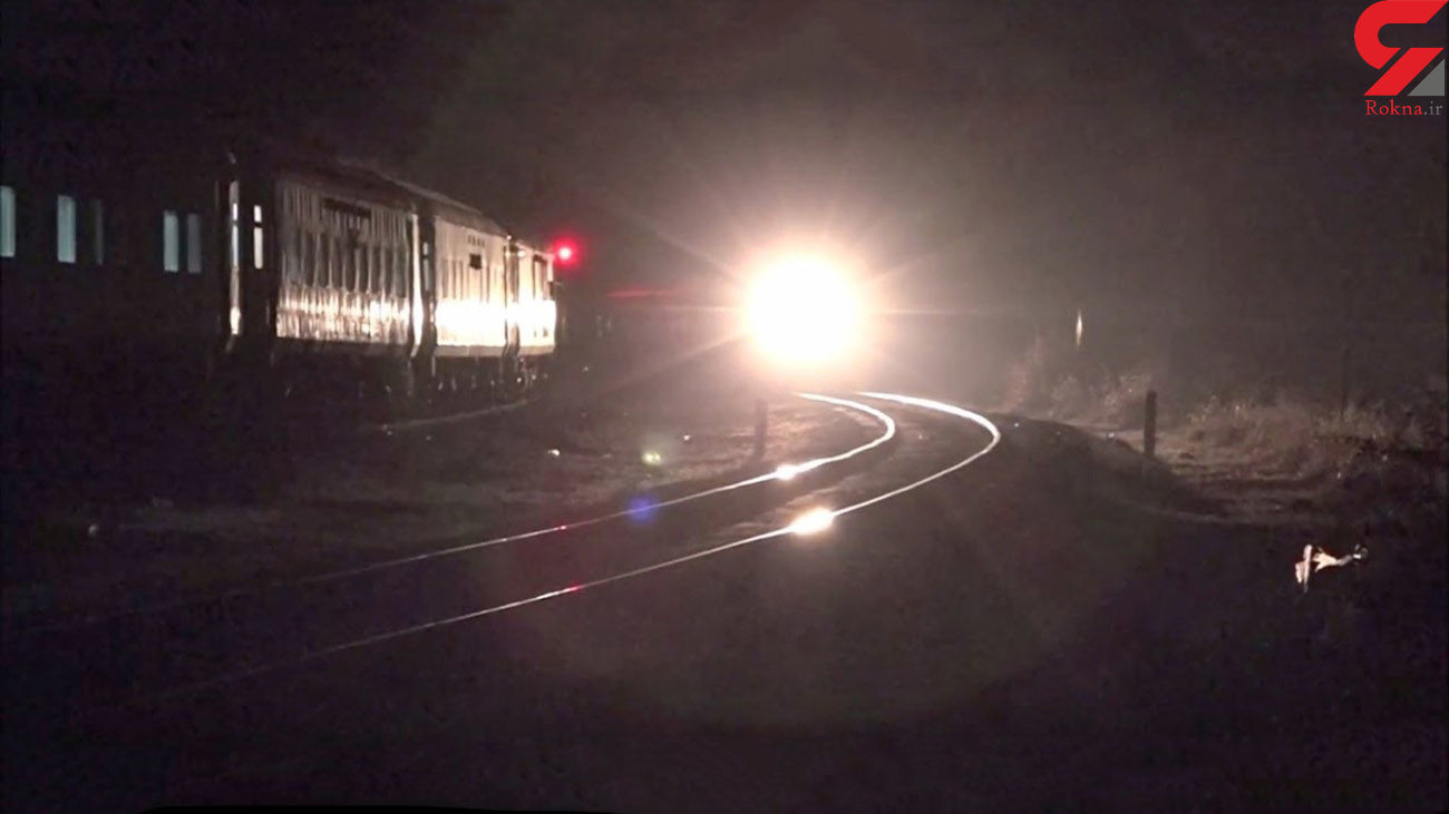 فیلم هولناک از لحظه برخورد قطار با یک خودرو روی ریل