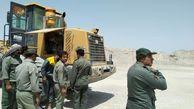 خاک دزدهای تالاب هامون دستگیر شدند +عکس