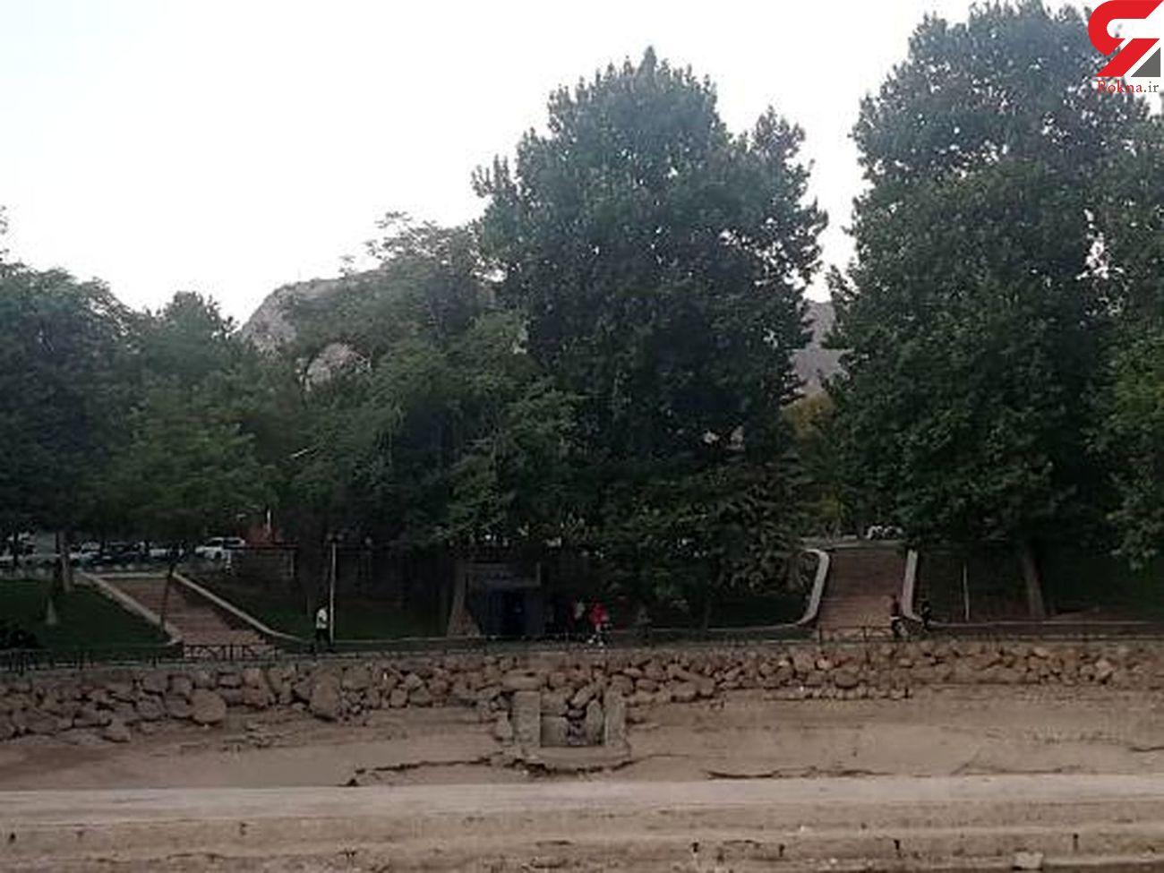 خشکسالی سرزمین آبشارها را بلعید| خشکشدن سراب کیو و گرداب سنگی در خرمآباد