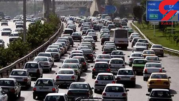 ترافیک سنگین در آزادراه کرج به تهران/مهگرفتگی و بارش باران در محورهای مازندران