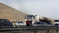 آتش سوزی اتوبوس محور اراک_شازند / راننده از حادثه بی خبر بود! + عکس