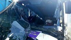 تصادف اتوبوس استقبال کنندگان رئیس جمهوری در تبریز + عکس