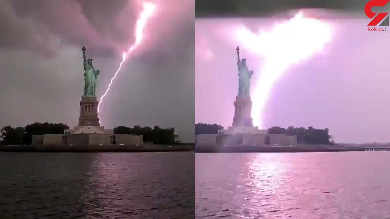 لحظه اصابت صاعقه به مجسمه آزادی در نیویورک + فیلم