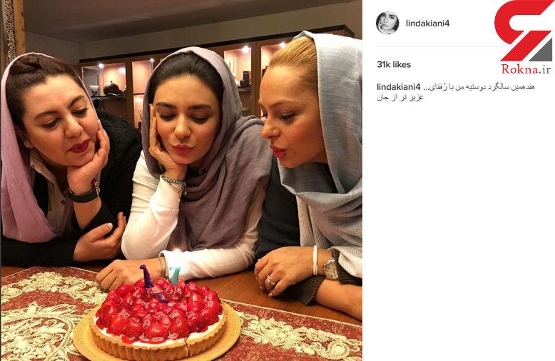 بازیگر  زن ایرانی و دوستانش در حال فوت کردن شمع های هفدهمین سالگرد دوستی شان!  +عکس