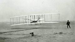 هواپیما 115 ساله شد