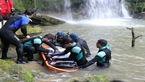 4 عکس از جنازه مسافر تهرانی در هفت آبشار مازندران