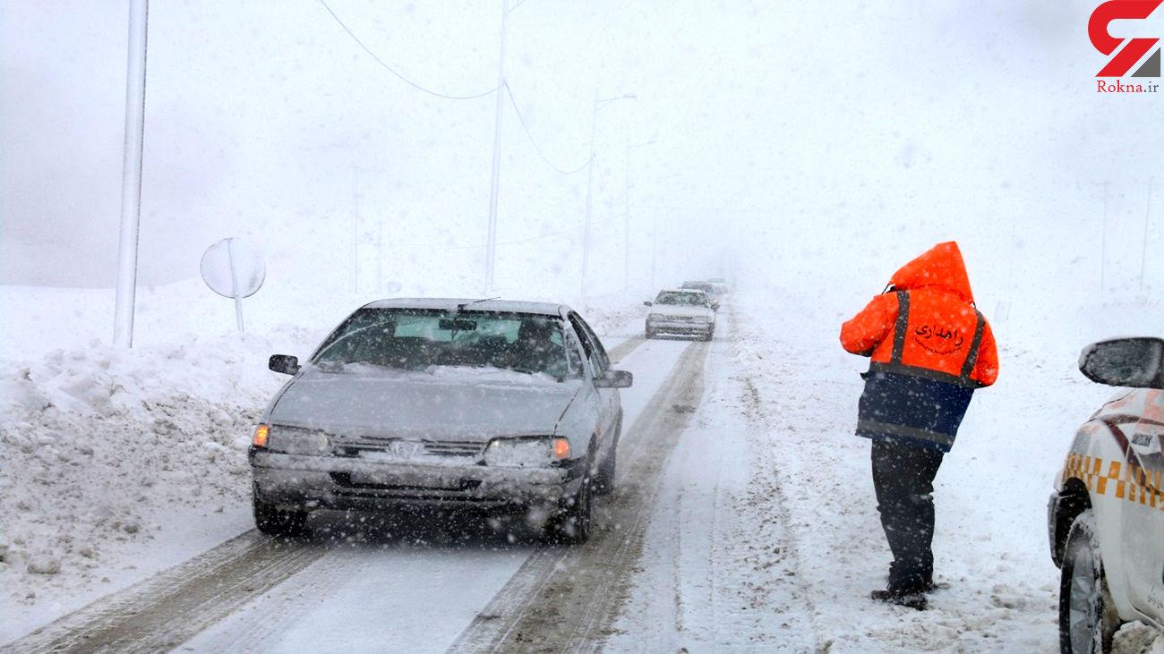 عملیات نجات برای 45 خودرو در جاده های اشنویه