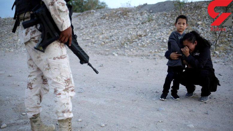 عکس تکاندهنده از گریه های زن بی پناه مقابل پلیس مرز+ تصویر