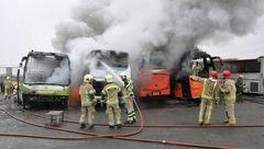 آتش گرفتن 4 دستگاه اتوبوس در جاده خاوران +عکس