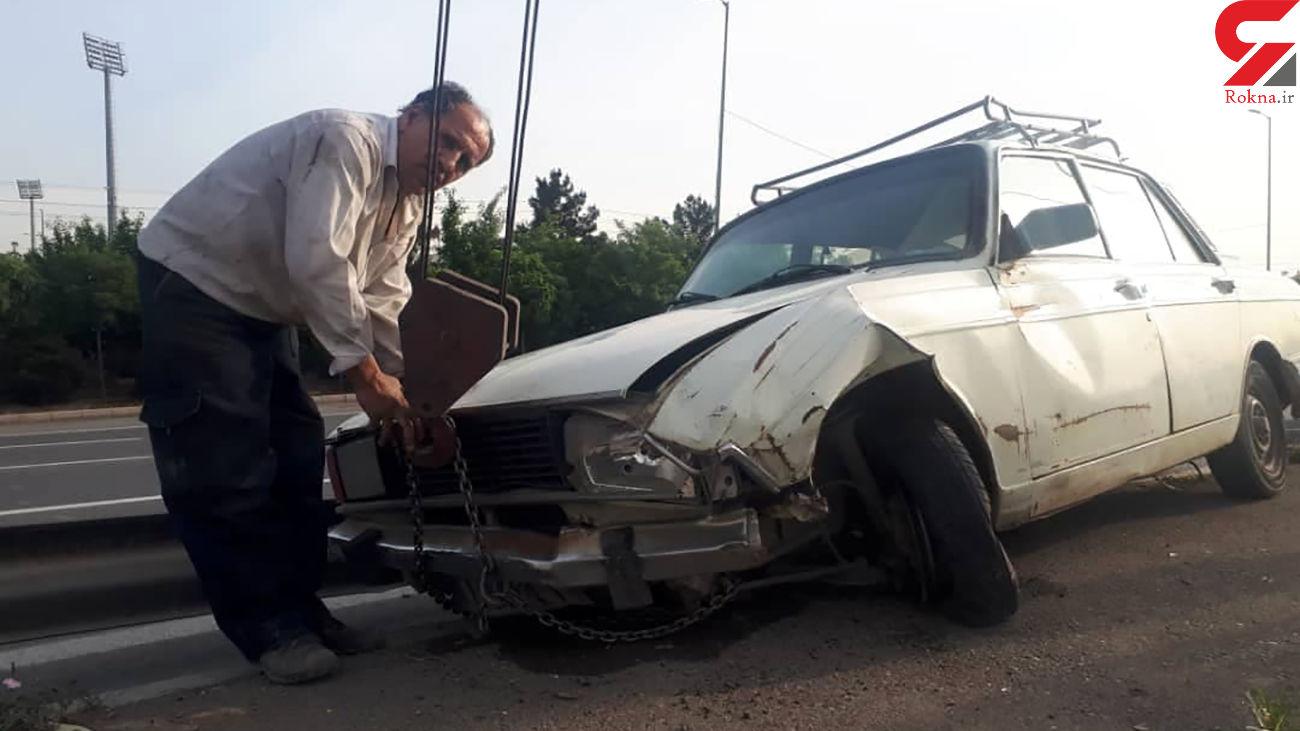 تصادف شدید پیکان با گاردریل های آزادگان + عکس ها