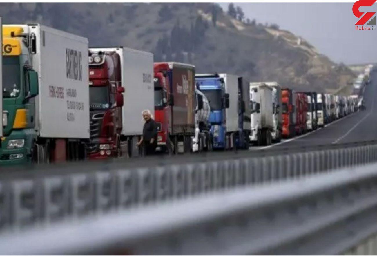 ترانزیت ۴۱۱ هزارتن کالا از گمرکات آذربایجان غربی به خارج کشور