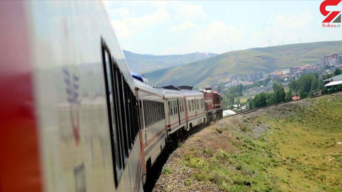 نجات جان بیش از 500 مسافر قطار در یزد