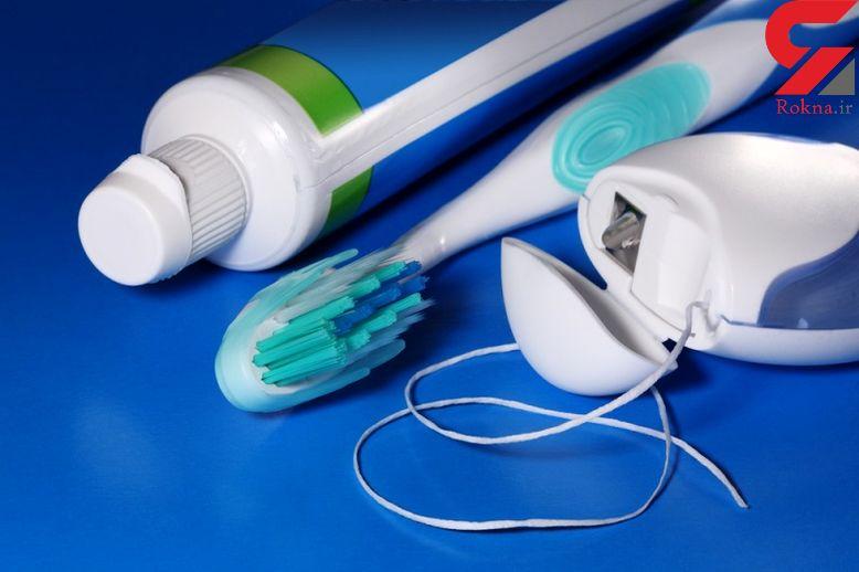 آیا استفاده نکردن روزانه از نخ دندان مضر است؟