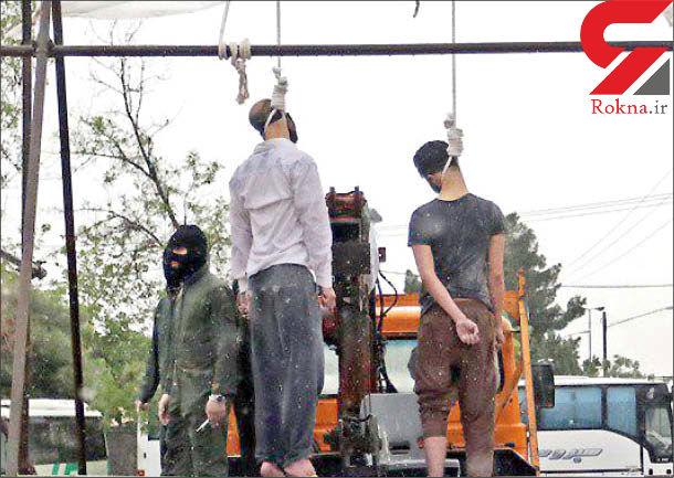اعدام علنی 2 کرکس در مشهد + عکس