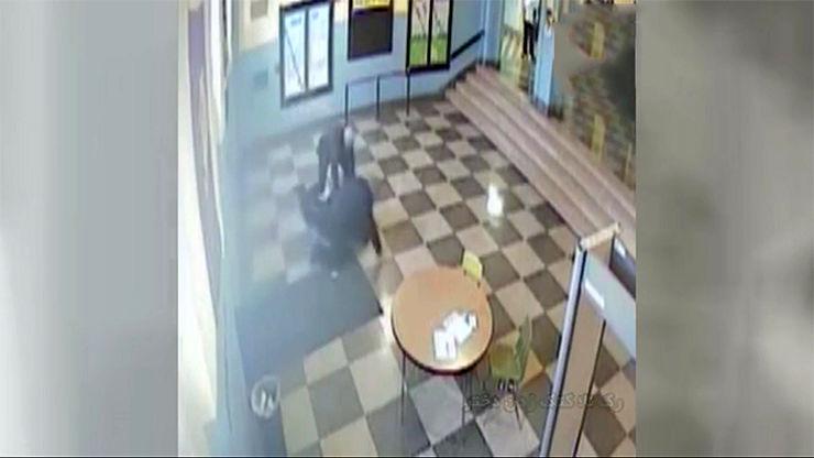 فیلم آزار دادن دختر 17 ساله باردار+ تصاویر