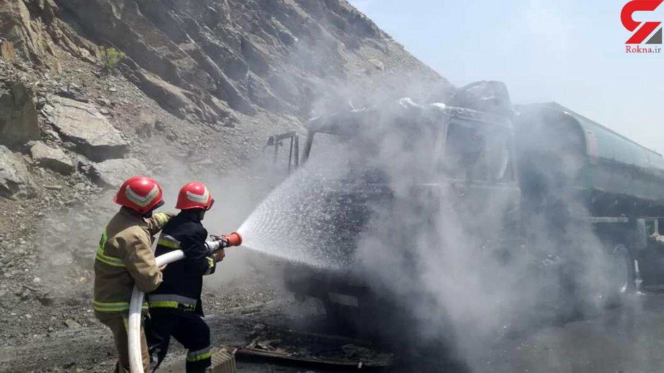آتشسوزی خودروی کشنده در مسیر زاهدان به نصرتآباد خاموش شد