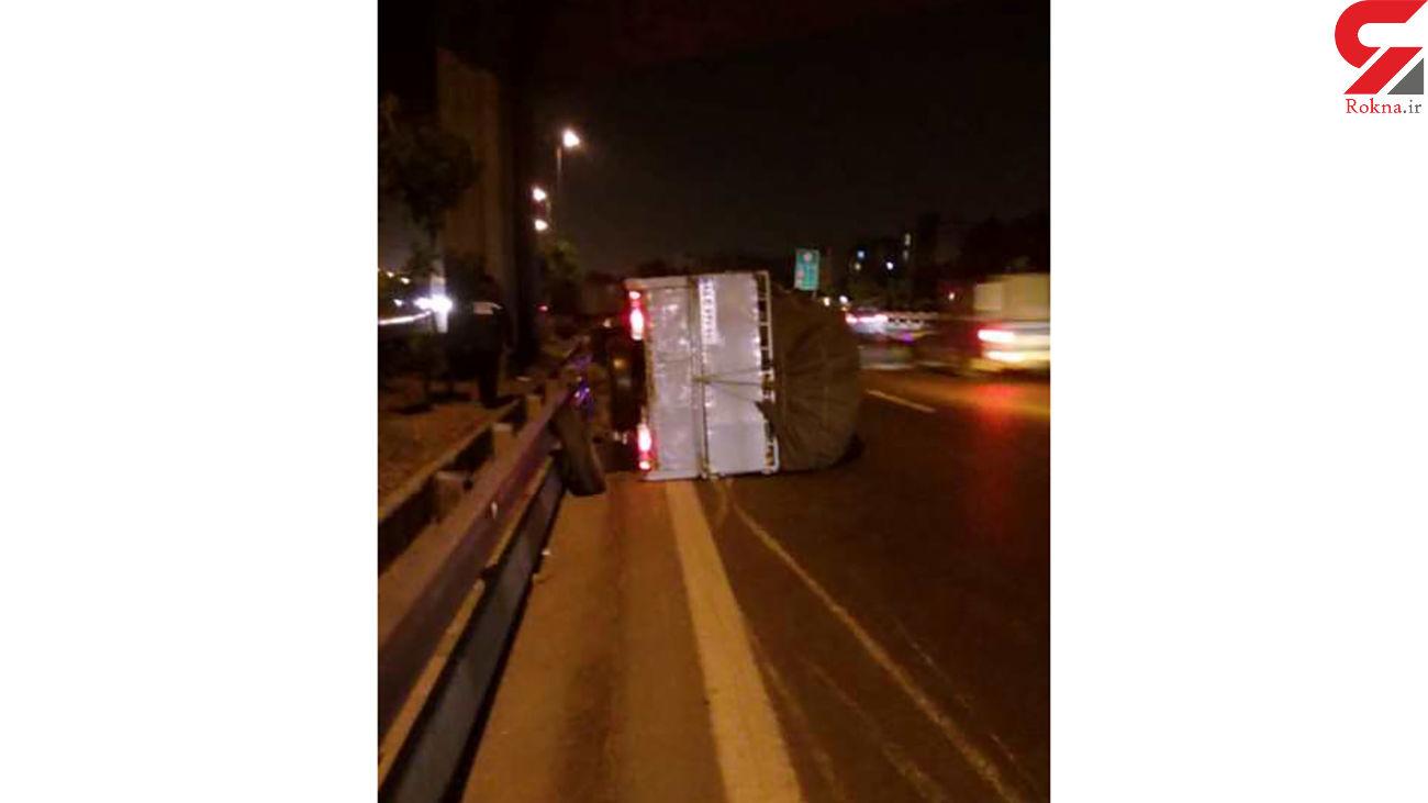 واژگونی نیسان در بزرگراه  یاسینی + عکس