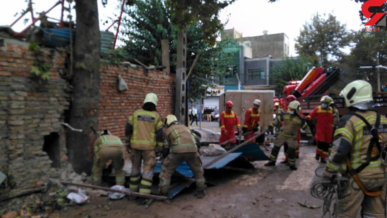 فیلم هولناک لحظه ریزش ساختمان مسکونی در منطقه فلاح تهران