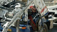 واژگونی کامیون راننده و سرنشین را به کام مرگ کشاند