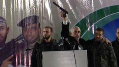 تفنگ اسرائیلی در دستان فرمانده نظامی حماس  + عکس