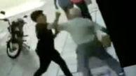 خشم مردم آرژانتین از فیلم کتک خوردن مرد سالخورده توسط یک جوان + عکس