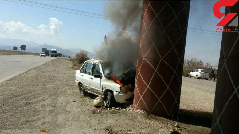عکس جالب از آتش گرفتن  پراید در تصادف با ستون پل روگذر+عکس