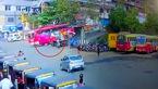عبور یک اتوبوس از روی موتورسوار نگون بخت + فیلم و عکس