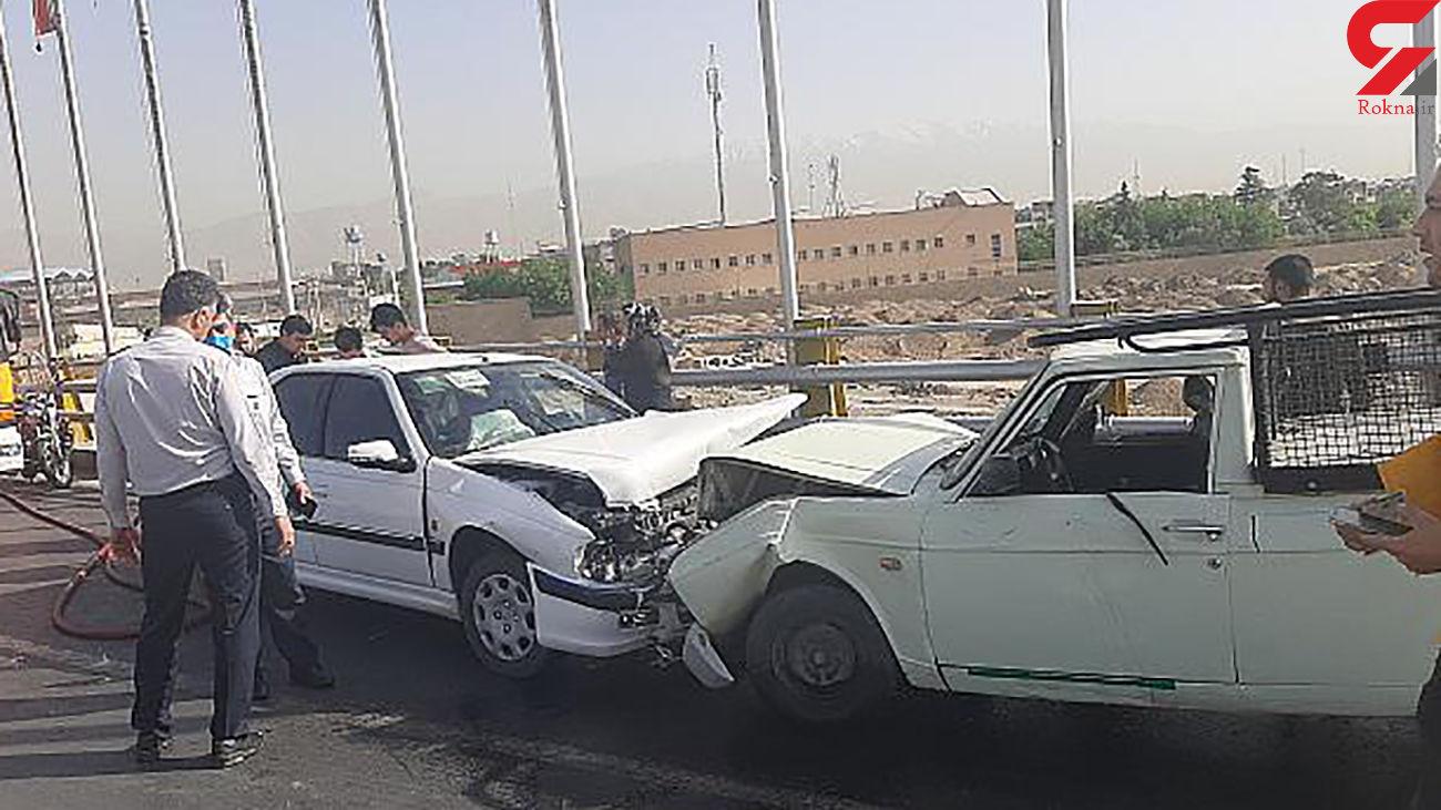 عکس های تصادف شدید در شادآباد / زن تهرانی زخمی شد