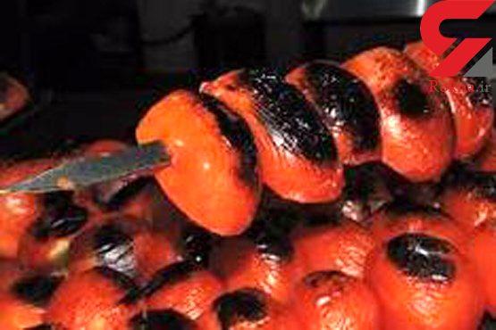 سوسک در گوجه کبابی  غذای بیمارستان شمال تهران!