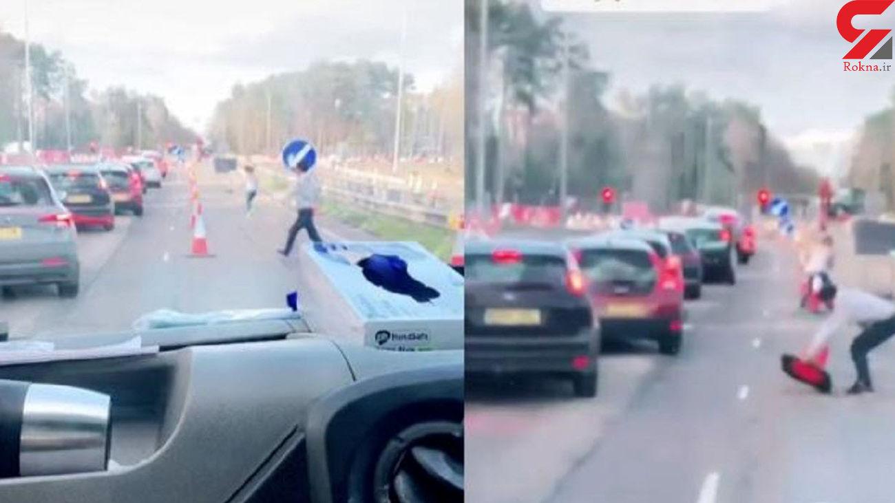 حرکت ستودنی رانندگان با دیدن خودروی آمبولانس + فیلم