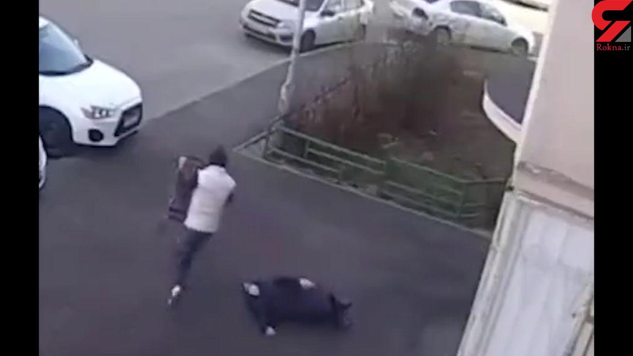 فیلم لحظه اقدام خجالت آور با پیرزن 80 ساله در خیابان