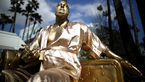 نصب مجسمهای از تهیهکننده جنجالی و متجاوز در بلوار هالیوود