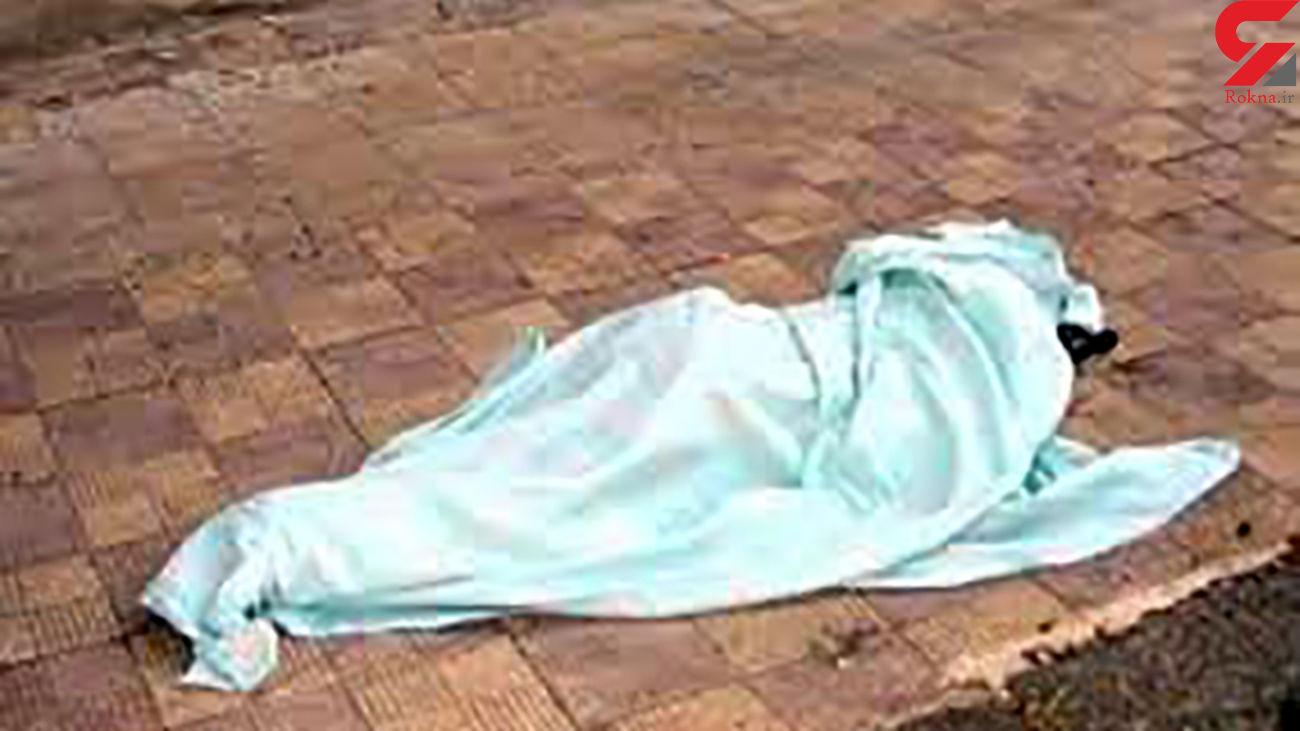 مرد کرجی هنگام پایین آمدن از ساختمان 4 طبقه با طناب به کام مرگ فرو رفت