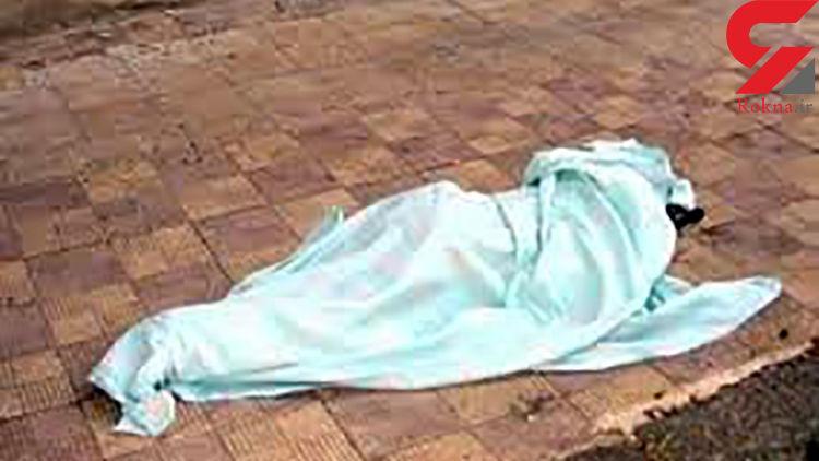 سقوط مرگبار زنی با یک لنگه کفش / در گیشای تهران رخ داد