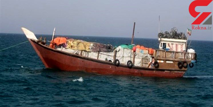 توقیف یک فروند لنج تجاری در بندرعباس به جرم حمل کالای قاچاق
