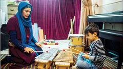 یاد دادن موسیقی معلم توسط معلم مهربان به بچههای خاص